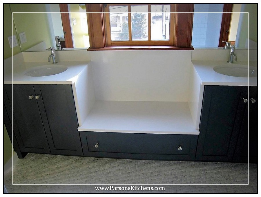 custom-bathroom-cabinetry-built-by-parsons-kitchens-professional-cabinetmakers-photo-001-web