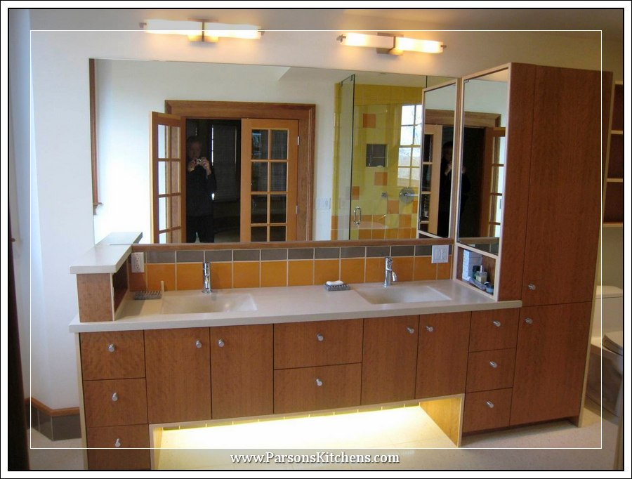 custom-bathroom-cabinetry-built-by-parsons-kitchens-professional-cabinetmakers-photo-006-web