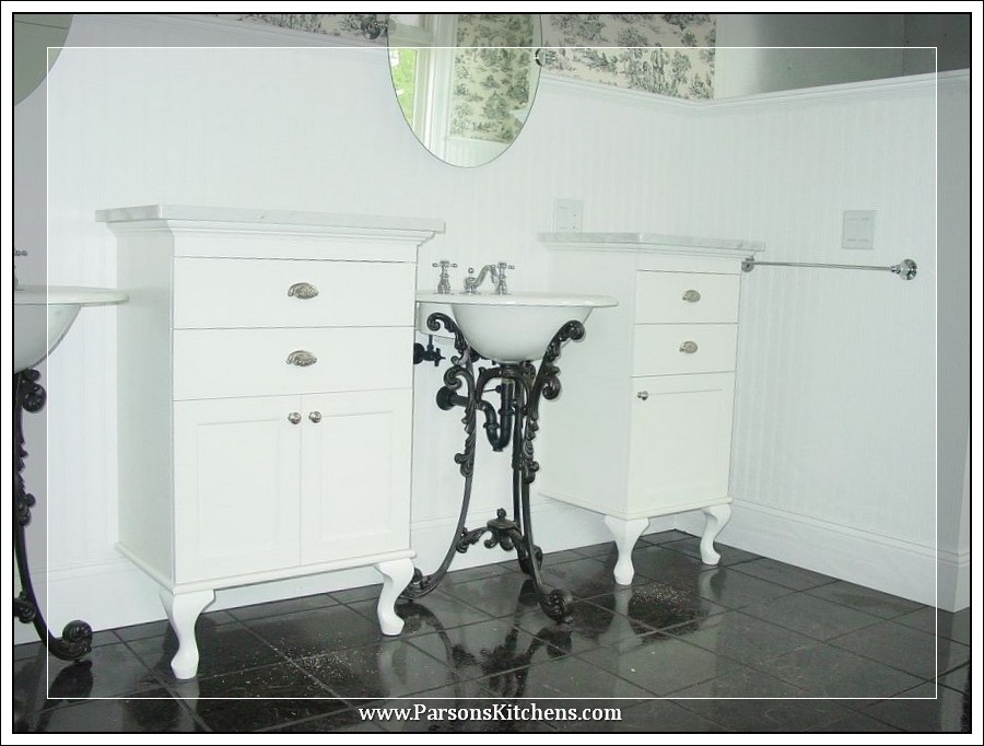 custom-bathroom-cabinetry-built-by-parsons-kitchens-professional-cabinetmakers-photo-004-web