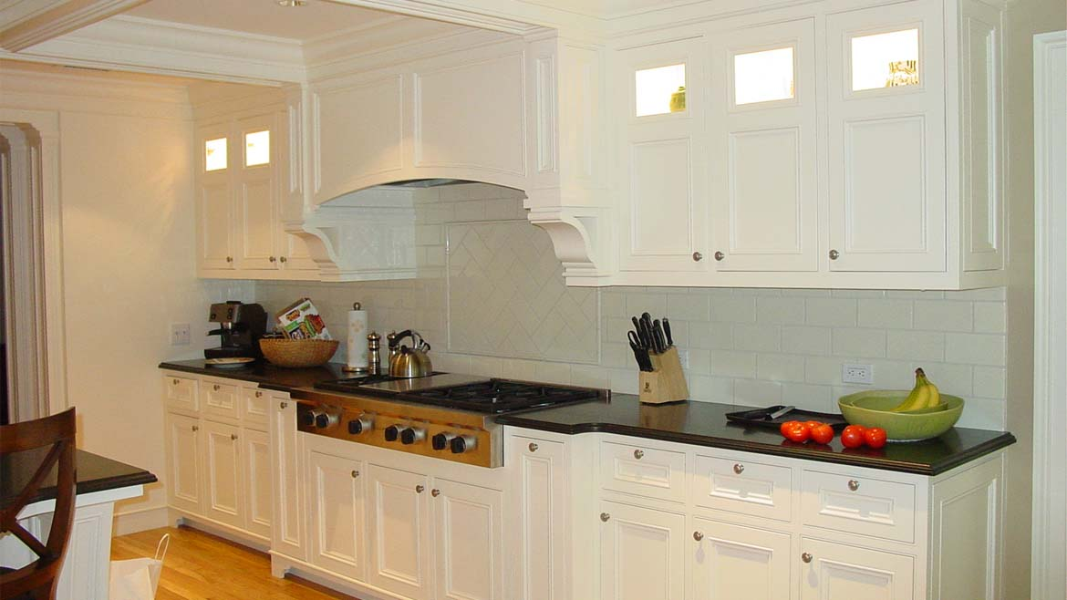 custom-kitchen-cabinetry-built-by-parsons-kitchens-professional-cabinetmakers-photo-2.jpg