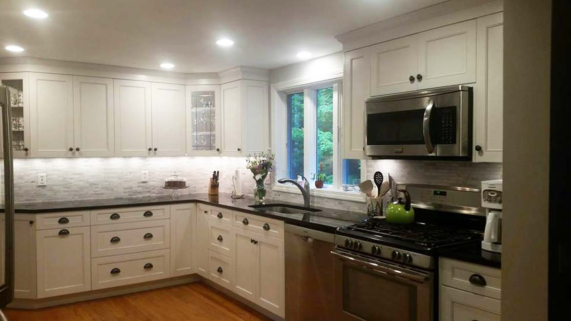 custom-kitchen-cabinetry-built-by-parsons-kitchens-professional-cabinetmakers-photo-5.jpg